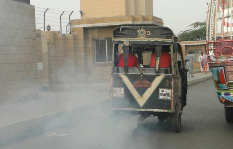 Air pollution from Tuk Tuk